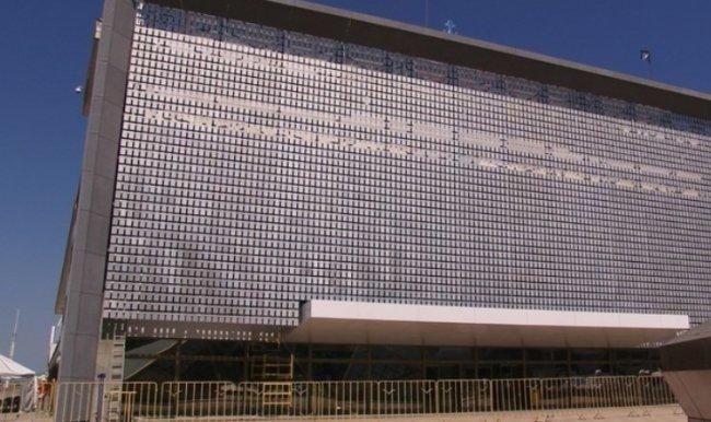 Уникальный кинетический фасад в Одессе 2