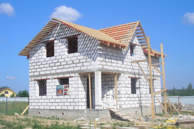 Строительство домов из кирпича возле Санкт-Петербурга